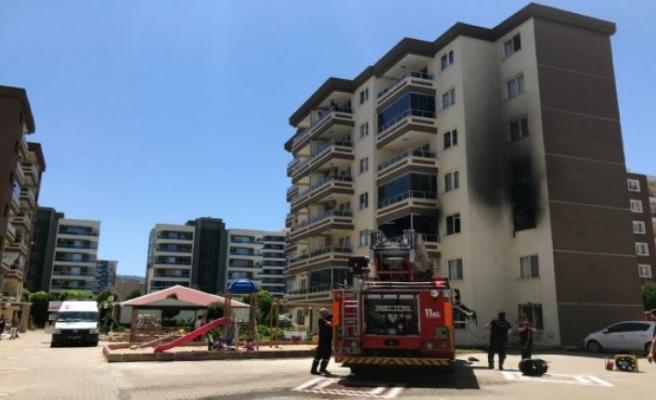 Yangında mahsur kalan 3'ü çocuk 5 kişi kurtarıldı