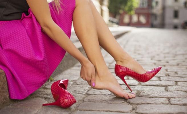 Yüksek topuklu ayakkabılar nasır sebebi