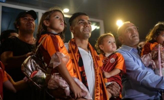 Galatasaray'ın yeni transferi Falcao, İstanbul'a geldi