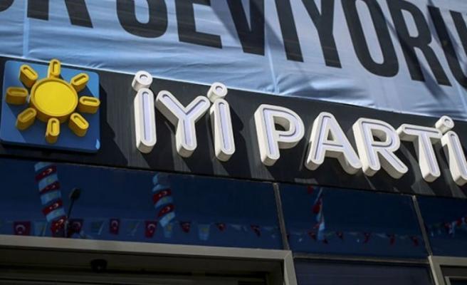 İYİ Parti'de il yönetimi istifa etti