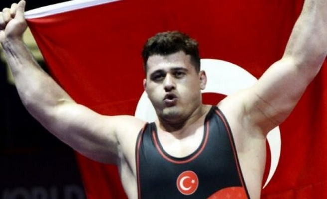 Rıza Kayaalp dünya şampiyonu oldu