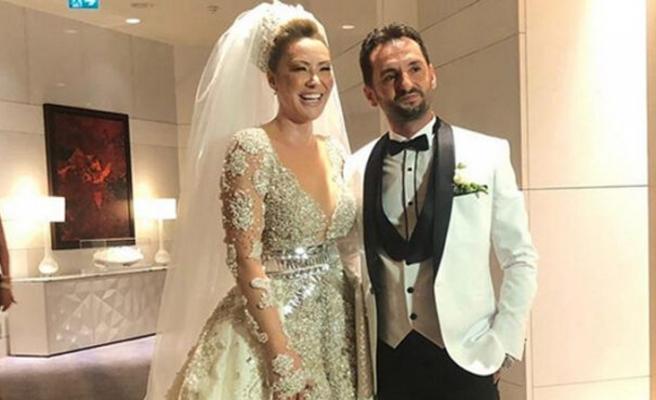 Şarkıcı Aylin Coşkun evlendi!