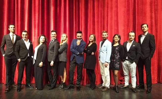 Sahne Tozu Tiyatrosu 15. yaşını kutladı