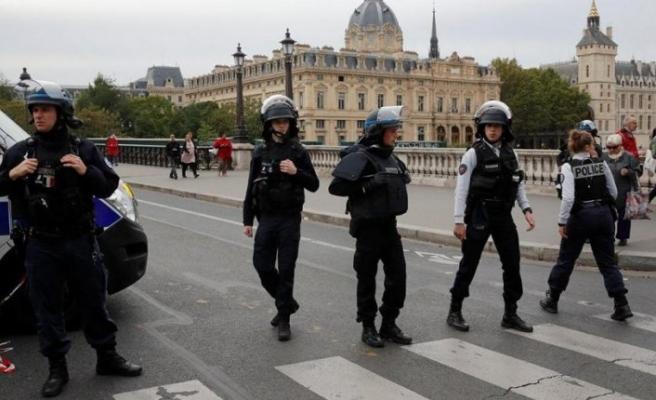 Son dakika… Paris'te polis merkezine saldırı: En az 4 ölü