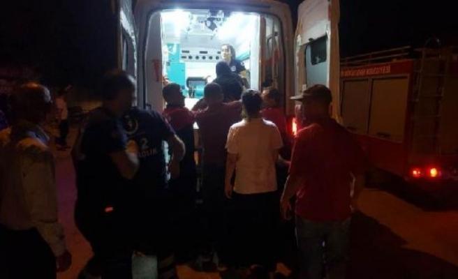 Suriye'den atılan roketle, 3 kişi yaralandı