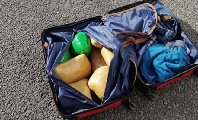 Yolcunun valizinden 10 kilo eroin çıktı