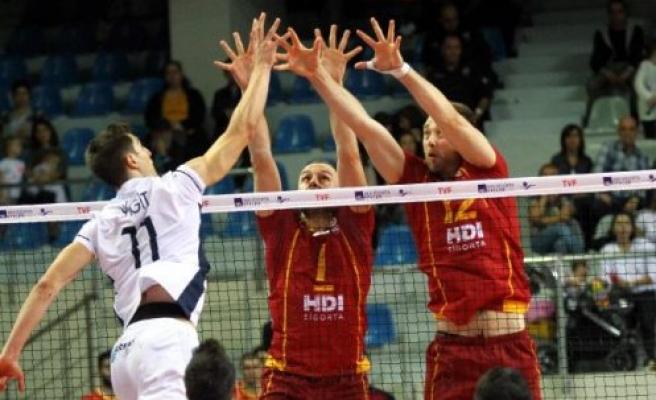 Arkasspor: 2 - Galatasaray HDI Sigorta: 3