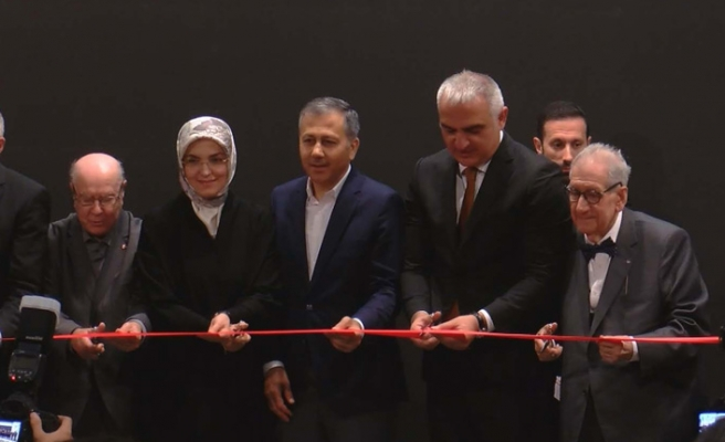 Bakan Ersoy Kitap Fuarı'nın açılışını yaptı