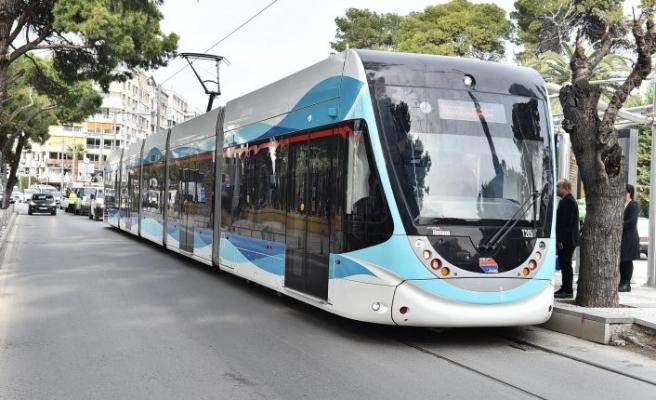İzmirliler tramvayı sevdi: Tam 50 milyon yolcu taşındı!