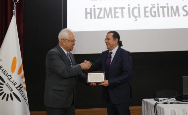 Karabağlar Belediyesi'nde hizmet odaklı eğitim