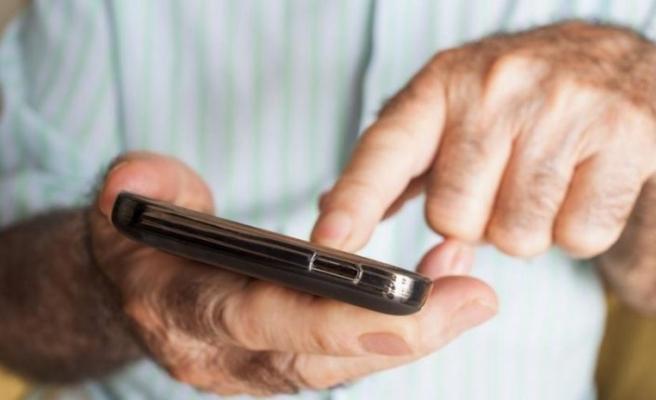 Türkiye'deki yaşlı nüfus sosyal medya kullanım rekoru kırdı!