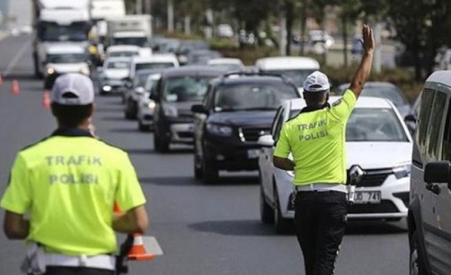 Emniyetten boyu 1.65'ten kısa olan sürücülere uyarı