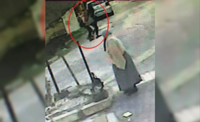 Eşi tarafından öldürülen kadının son anları kamerada