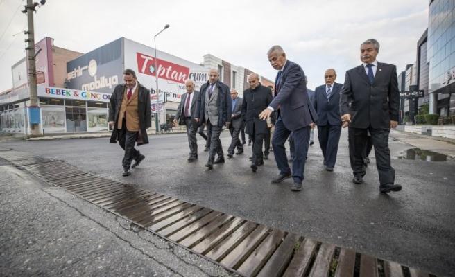 Soyer Kısıkköy'deki mobilyacıların sorunlarını dinledi