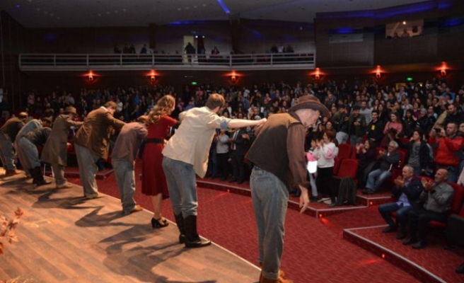Torbalı Belediyesi Tiyatro Günleri Sona erdi
