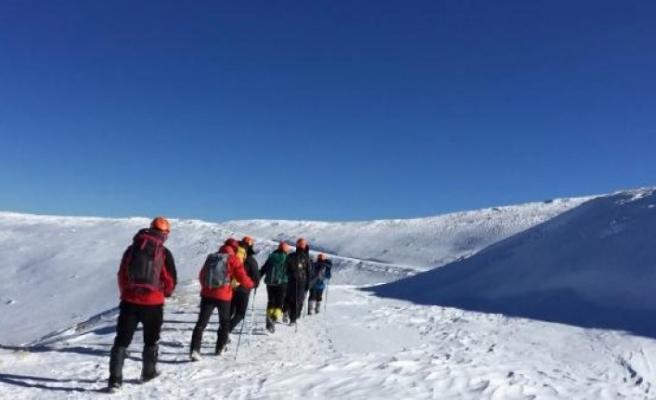 Uludağ'da kayıp dağcı Efe'nin kırmızı montu bulundu