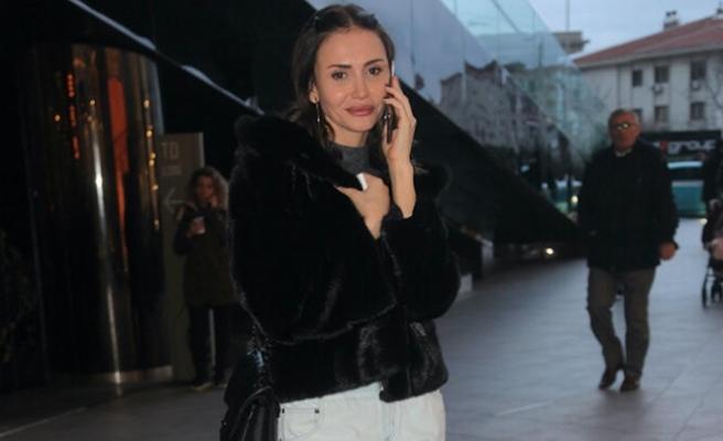 Emina Jahovic göz kamaştırdı