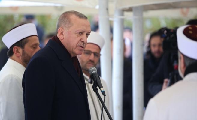 Erdoğan, Pakistan dönüşünde gazetecilerin sorularını yanıtladı