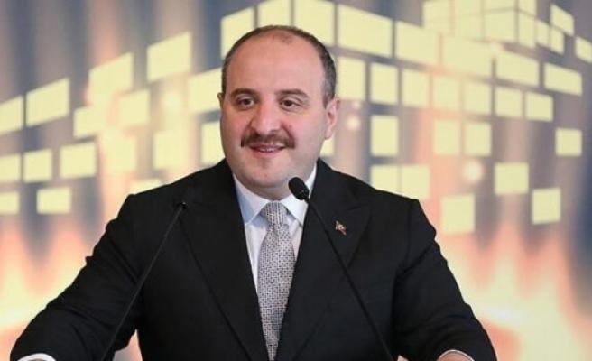 """Sanayi ve Teknoloji Bakanı Varank'tan """"evinde kalanlara"""" hediye"""