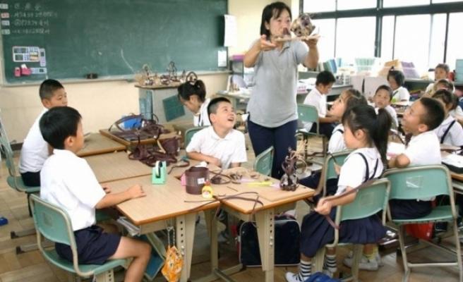 Güney Kore'de okullar kademeli olarak açılacak