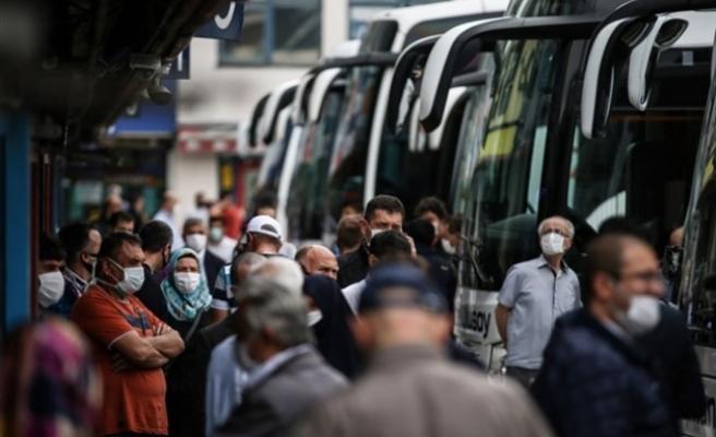 """İçişleri Bakanlığı: """"484 bin 808 kişiye seyahat izni verildi"""""""