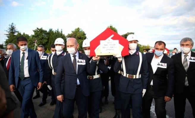 Sakarya'daki patlamada şehit olan askerler için tören düzenlendi