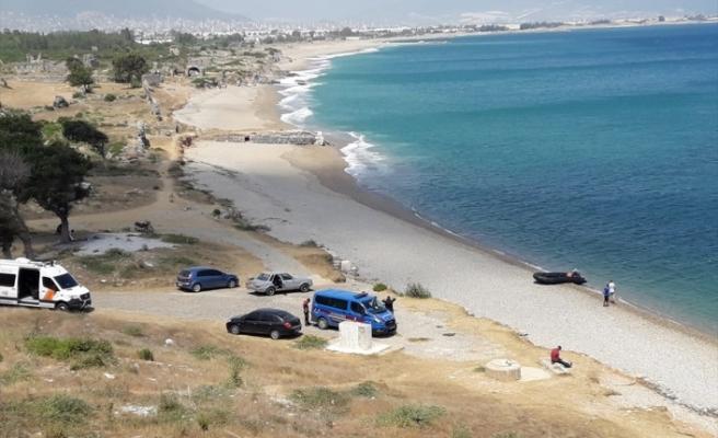 Mersin'de denize giren kadın kayboldu