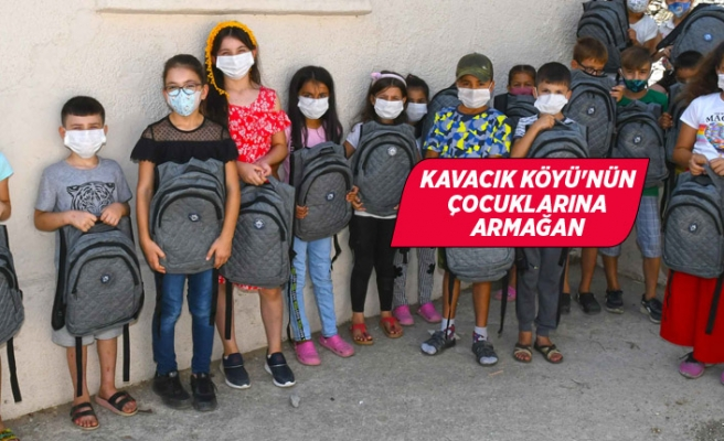 Başkan Selvitopu'dan çocuklara okul armağanı