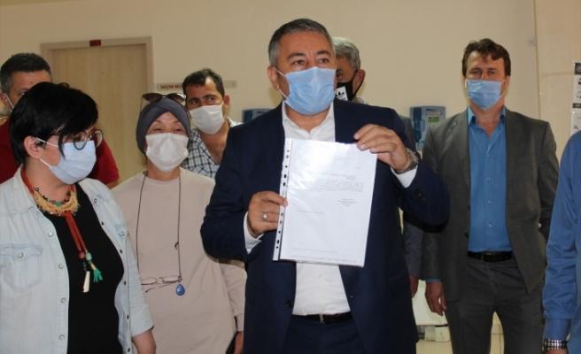 AK Parti Menemen İlçe Başkanı Çelik mazbatasını aldı