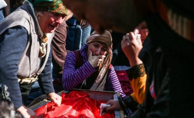 Ermenistan'ın öldürdüğü siviller son yolcuğuna uğurlandı