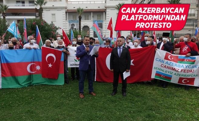 İzmir'de Fransa'nın Ermenistan politikası protesto edildi