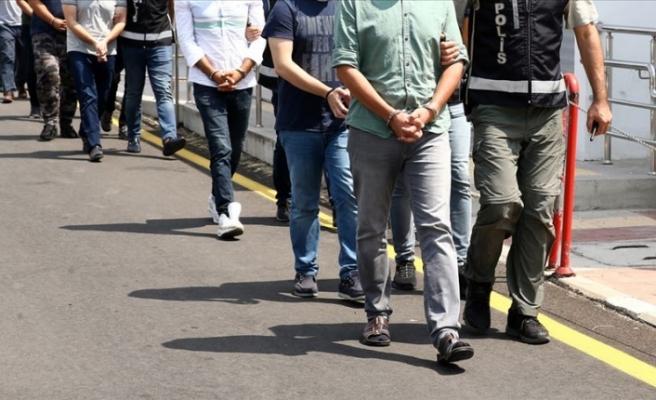 İzmir'de sosyal medyadan terör propagandası iddiasıyla 10 gözaltı