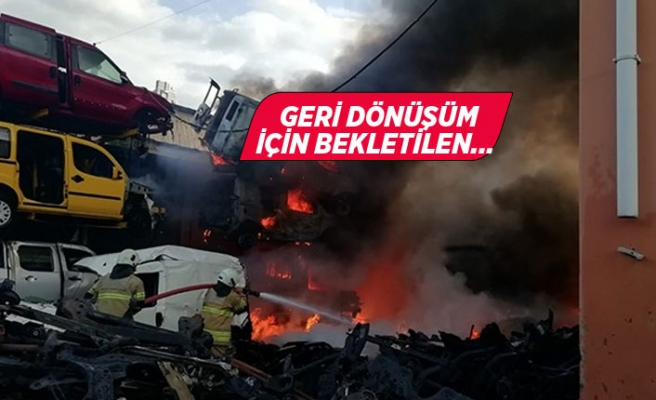 Korkutan yangın: Hurda araçlar alev alev yandı!