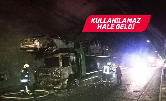 Sabuncubeli Tüneli'nde otomobil taşıyan kamyon yandı!