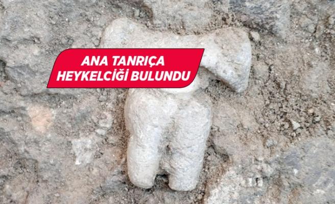 Yeşilova Höyüğü'nde 8 bin 200 yıllık heykelcik bulundu