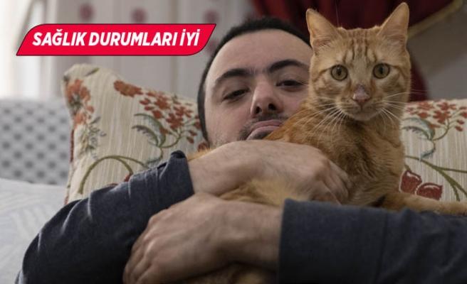 "Depremzede milli sporcu, kedisi ""Teneke"" ile buluştu"