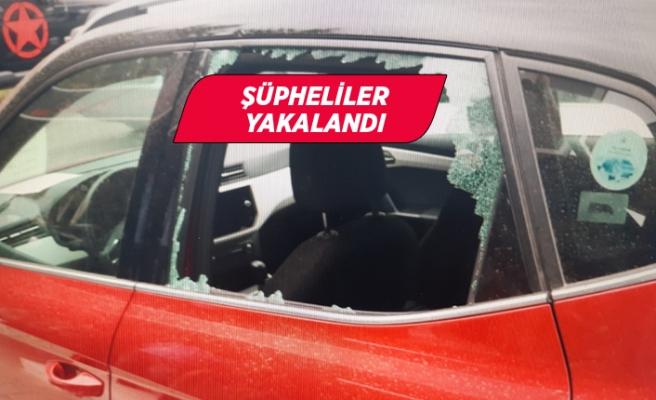 İzmir'de park halindeki otomobilden para ve altın çalan zanlılar yakalandı