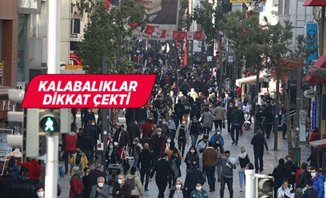 İzmir'de sosyal mesafe unutuldu!