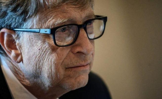 Bill Gates, hayatın 2021 baharına kadar normale dönebileceğini söyledi