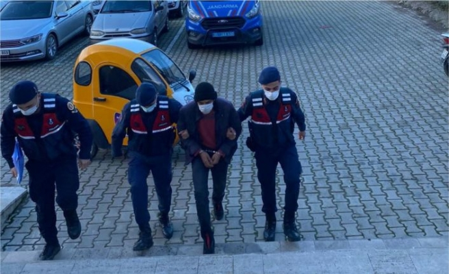 Beydağ'da aranan hükümlü jandarma tarafından yakalandı