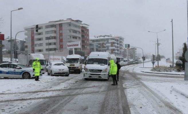 Denizli'yi Antalya ve Muğla'ya bağlayan yol kapandı