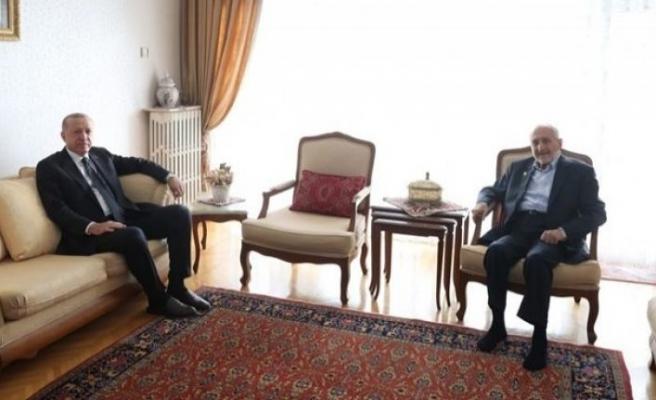 Erdoğan'dan Saadet Partili Asiltürk'e ziyaret