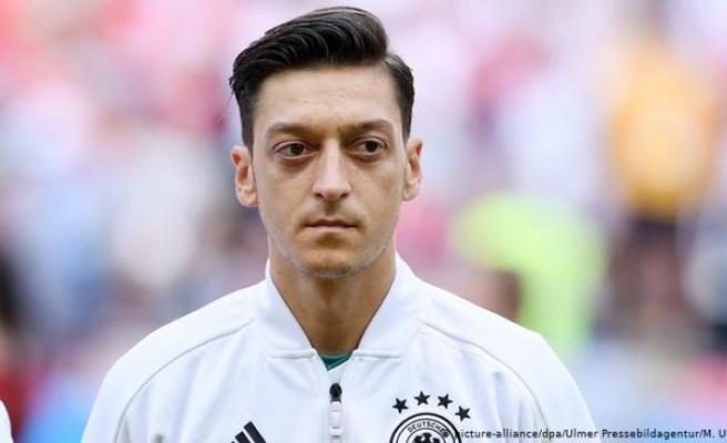 Mesut Özil Fenerbahçe'ye geliyor!