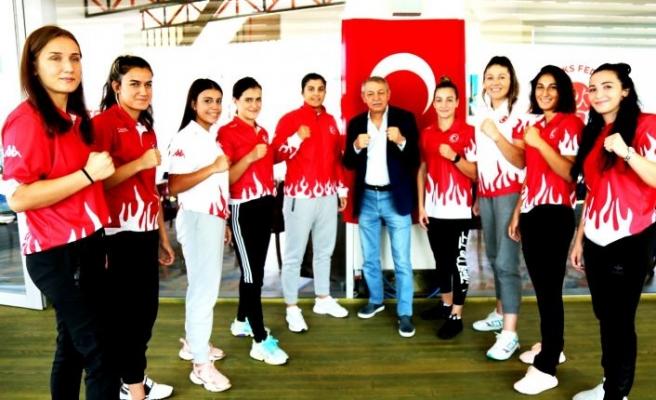 Olimpik Kadın Boks Milli Takımı Sırbistan yolcusu
