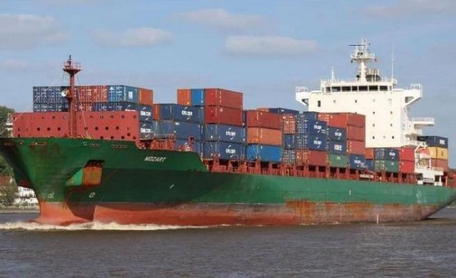 Saldırıya uğrayan gemi Gabon'da emniyette