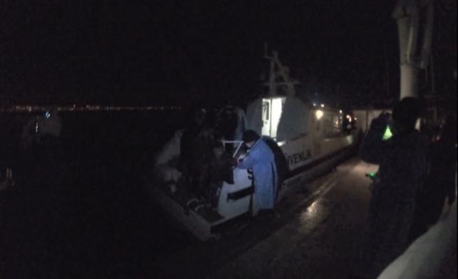 Balıkesir'de 38 kaçak göçmen kurtarıldı