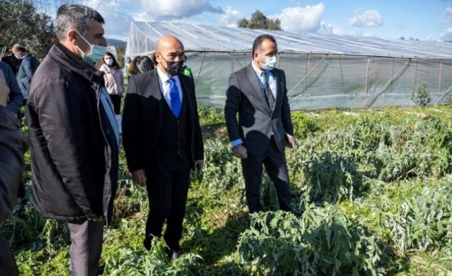 Başkan Soyer'den dolu nedeniyle zarara uğrayan üreticilere ziyaret