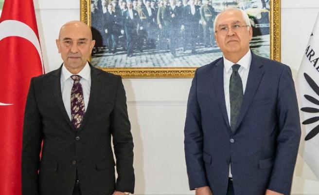 Başkan Soyer'den Karabağlar'a ziyaret