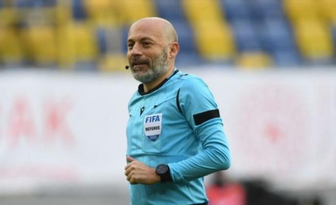 Cüneyt Çakır'ın 13. Fenerbahçe-Galatasaray derbisi!