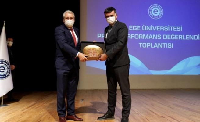 """""""Ege Üniversitesinin son 3 yıldaki performansı göz kamaştırıcı"""""""